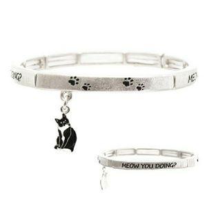 Jewelry - Cat charm stretch bracelet